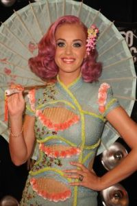 katy perry pinterest capelli rosa