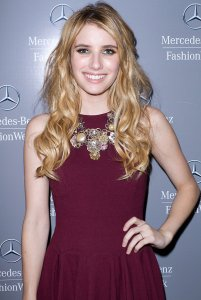 Emma-Roberts-lends-pop-cool-collaged-bib-necklace