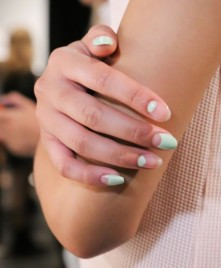 charlotte-ronson-nail-art-verde-menta