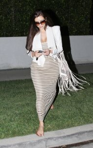 kim_kardashian_white_blazer_s