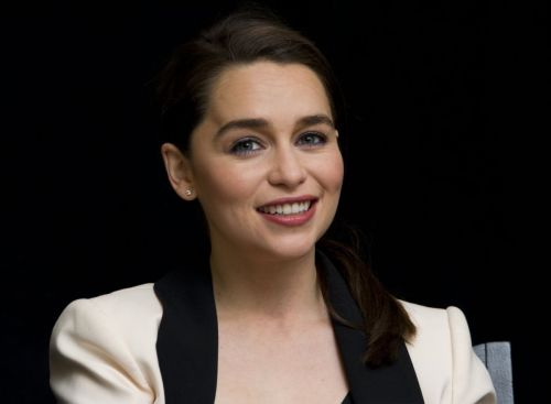 emilia-clarke-at-game-of-thrones-season-4-press-conference_8